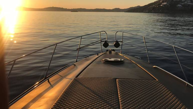 The leading agent of luxury marine services in Mykonos
